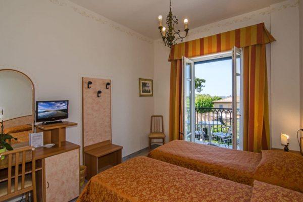 hotel-villa-ombrosa-camera-doppia